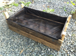 complete garden vegetable planter box with lining